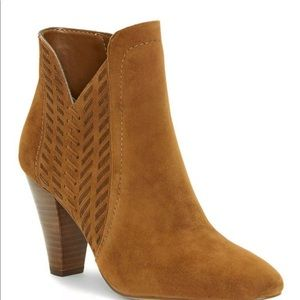NWT Vince Camuto Booties
